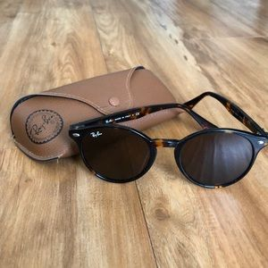 Round Tortoise Shell Ray Ban RB2180